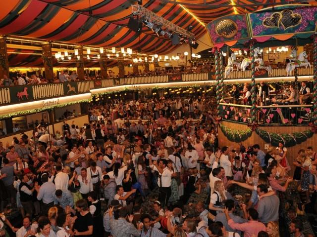 Oktoberfest-Zelt